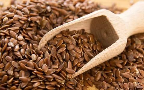 Зачем нужно жевать семена льна. Это должен знать каждый, особенно женщины старше 35 лет!