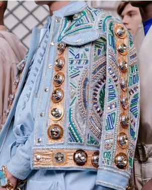 Декор одежды бусинами, бисером и стразами: 33 идеи...
