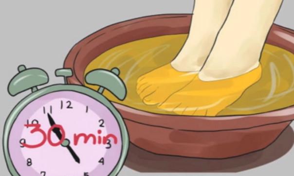 Замочите ноги в уксусе один раз в неделю — и увидите, как исчезают все ваши болезни!