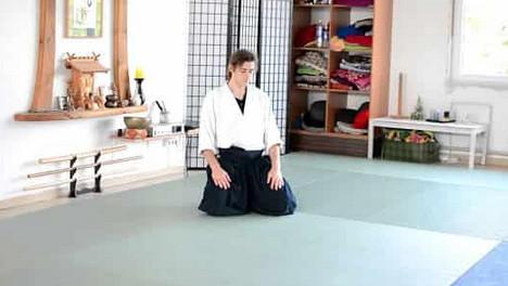 Hier sind 2 taoistische Übungen, die Sie auf zellularer Ebene verjüngen. Schönheit und Gesundheit zu Hause